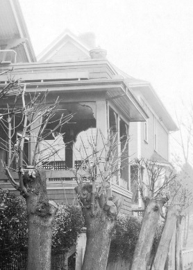 1800 Nelson Street (in rear), 1925; detail from Vancouver City Archives, Denman Street (between Nelson and Comox) CVA 357-15; https://searcharchives.vancouver.ca/nst-5622.
