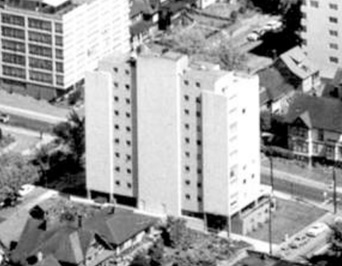 2001 Beach Avenue; 1962; detail from West End from the air, Vancouver City Archives; Air P96; https://searcharchives.vancouver.ca/west-end-from-air.