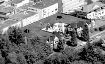 2075 Nelson Street, Vernon Manor; 1962; detail from West End from the air, Vancouver City Archives; Air P96; https://searcharchives.vancouver.ca/west-end-from-air.