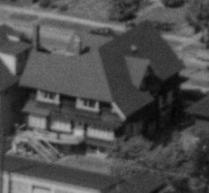 1860 Comox Street; detail from First Beach, 1954; BO-54-211; http://vintageairphotos.com/bo-54-211/.