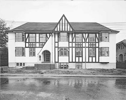 Compton Lodge, 2095 Beach Avenue, probably 1928; Vancouver Public Library; VPL Accession Number 30118; https://www3.vpl.ca/spePhotos/LeonardFrankCollection/02DisplayJPGs/412/30118.jpg.