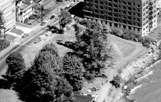 South side of 2000 block Beach Avenue; 1962; detail from West End from the air, Vancouver City Archives; Air P96; https://searcharchives.vancouver.ca/west-end-from-air.